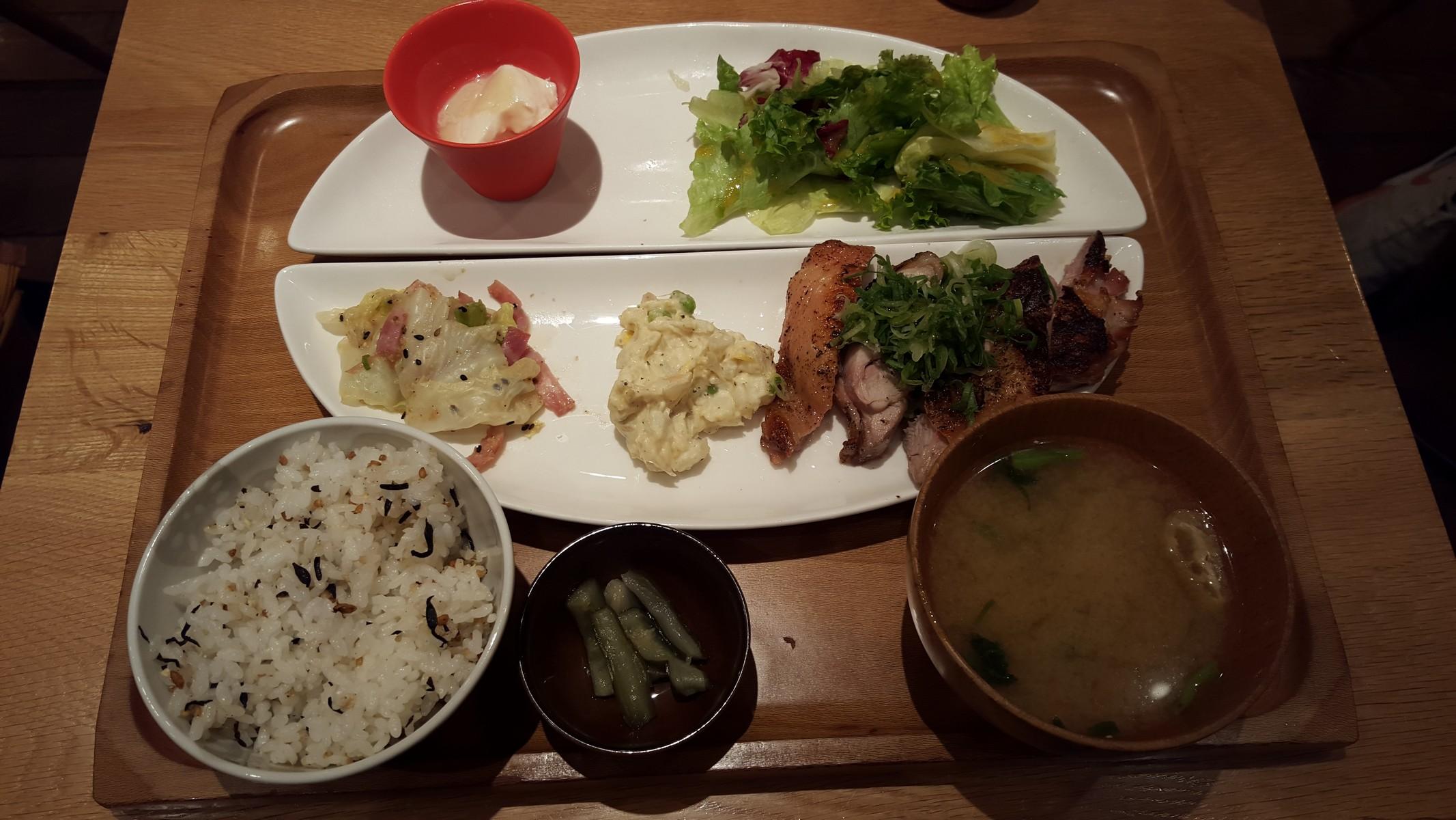 鶏の黒ごま七味焼き【おぼんdeごはん/二子玉川】