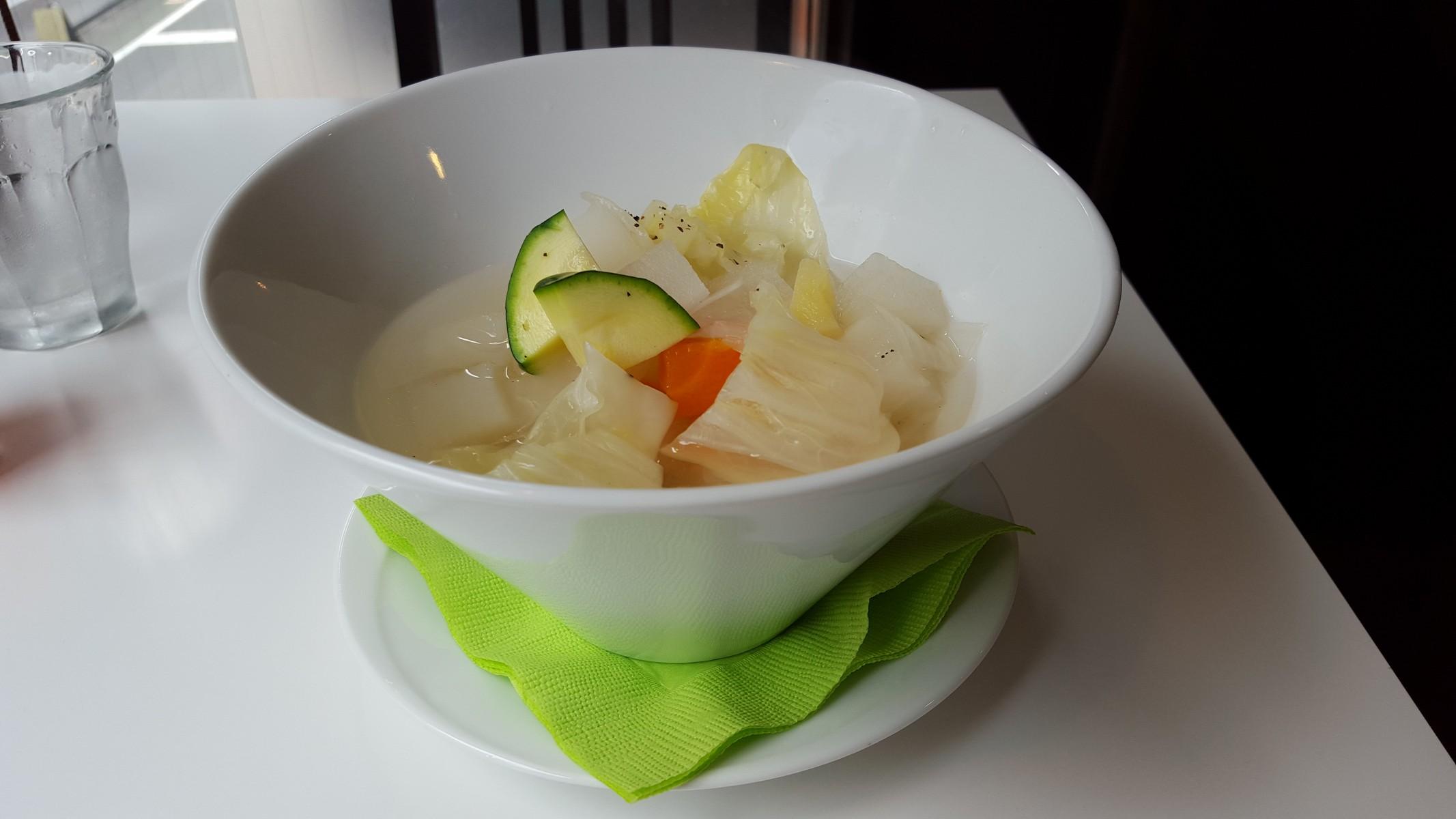 ランチのごろごろ野菜スープ【和良自由が丘工房/自由が丘】