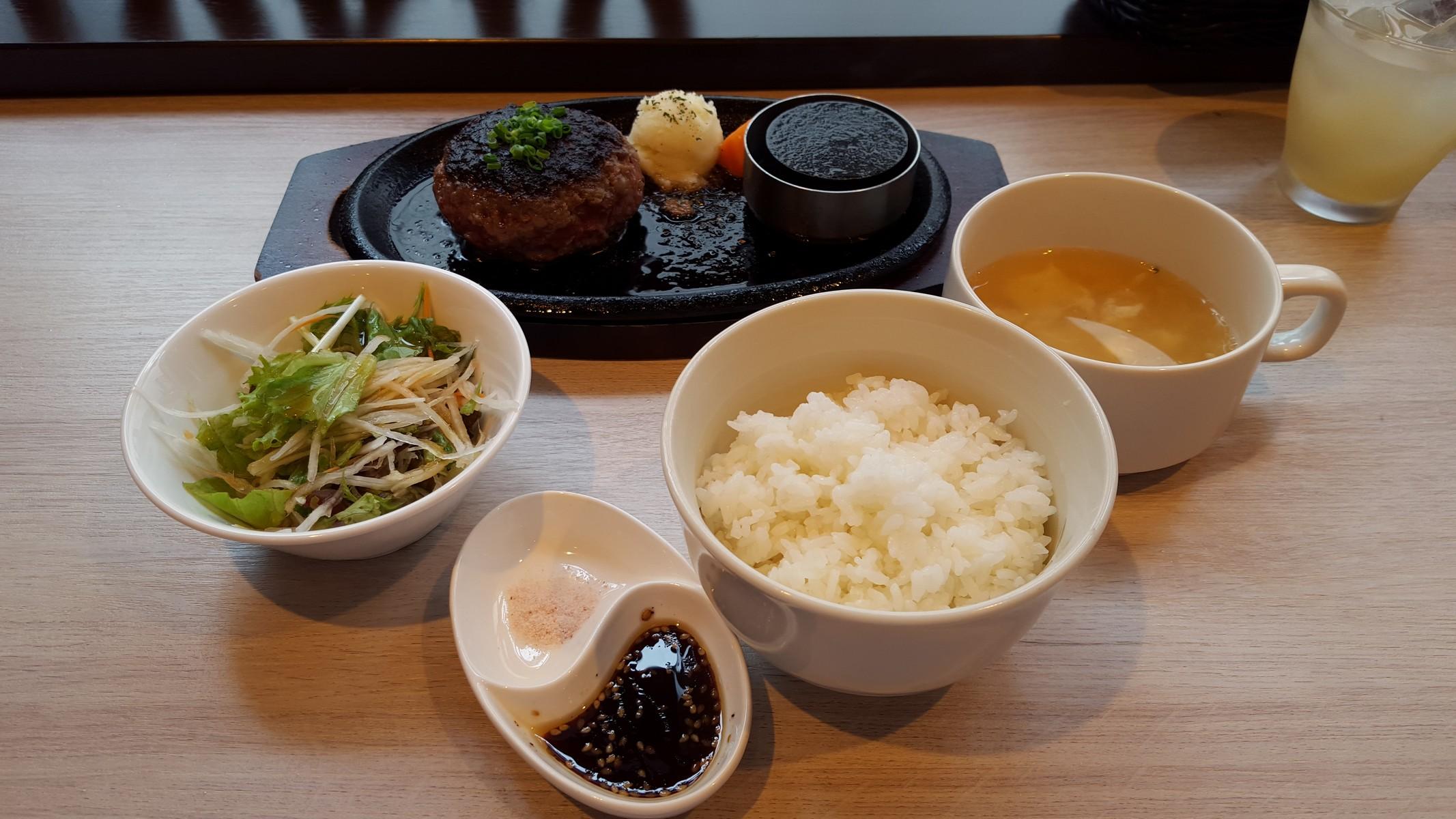 ハンバーグセット【TOKIO/神田】