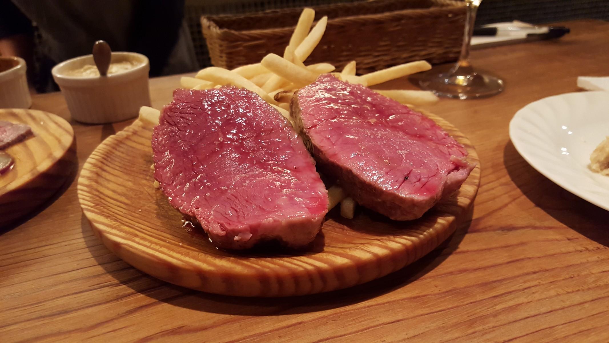 無角和牛のステーキ【Bocca/吉祥寺】
