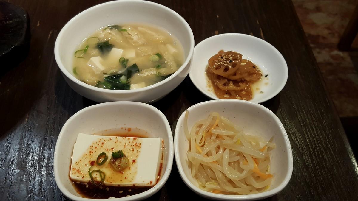 定食の小鉢【韓国料理 豚肉専門店福 ブタ屋/神田】