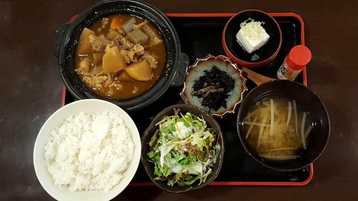 牛すじ煮込み定食【魚然/小川町】
