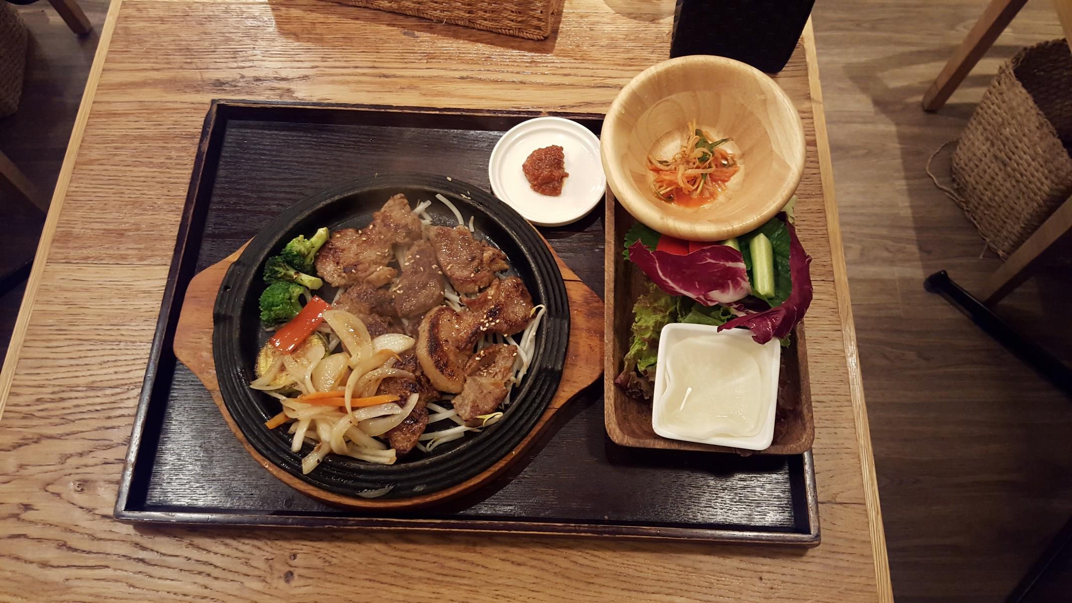 ハーブサムギョプサルステーキとサム野菜のセット【韓美膳/二子玉川】