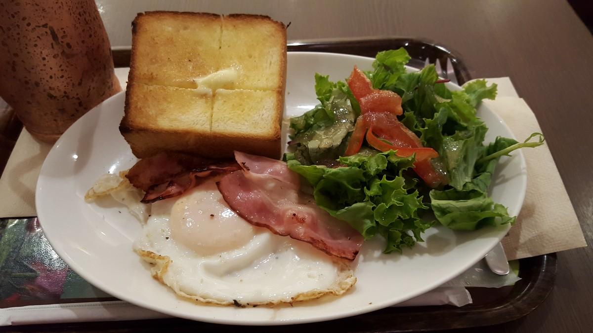 モーニング「ベーコンエッグ&厚切りトースト」【上島珈琲店/自由が丘】