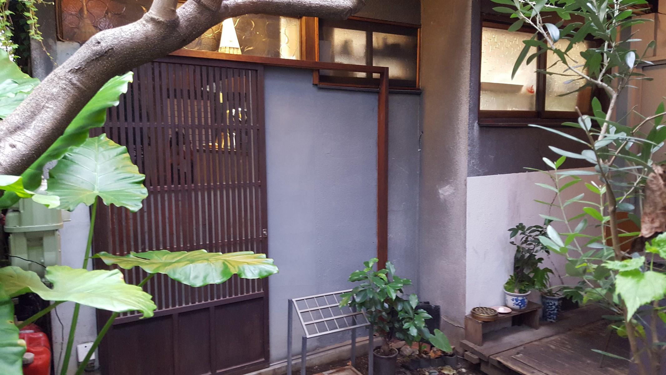 こちらがお店の入口です【青家/中目黒】