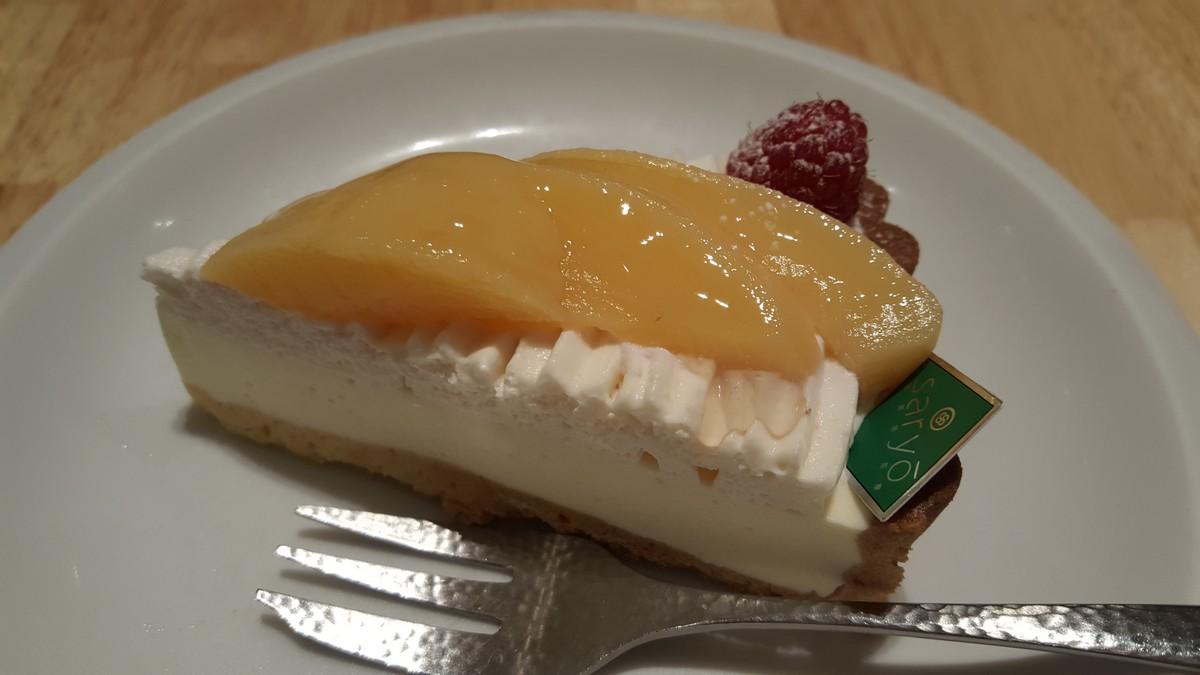 白桃と豆乳のレアチーズタルト【神楽坂茶寮/武蔵小杉】