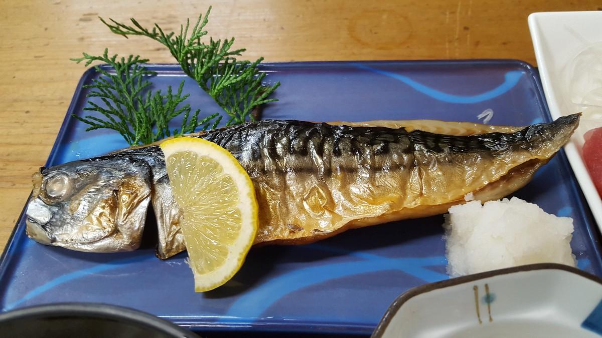 日替わり定食の焼き魚(鯖の塩焼き)【神田っ子/神田】