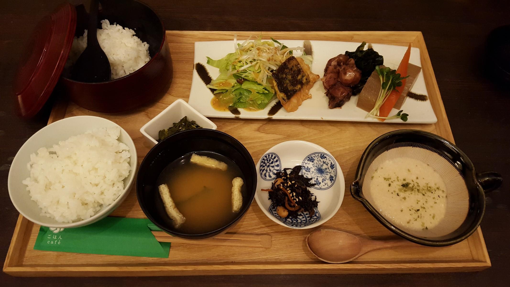 鮭の西京焼と煮物膳【ごはんcafe/日比谷】