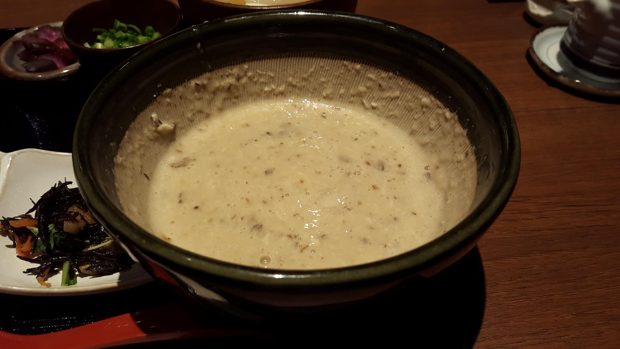 自然薯膳の自然薯【ご飯ととろろ とろ麦/浅草】