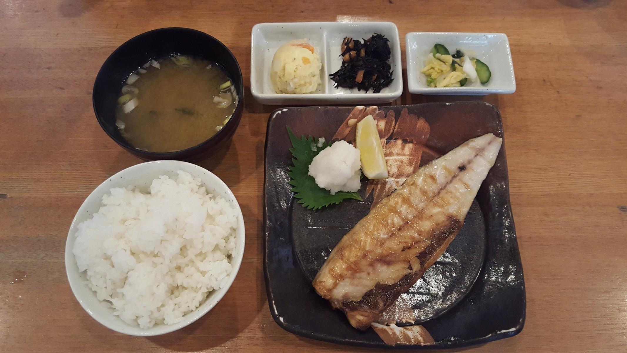 サバの塩焼き定食【つばき食堂/自由が丘】