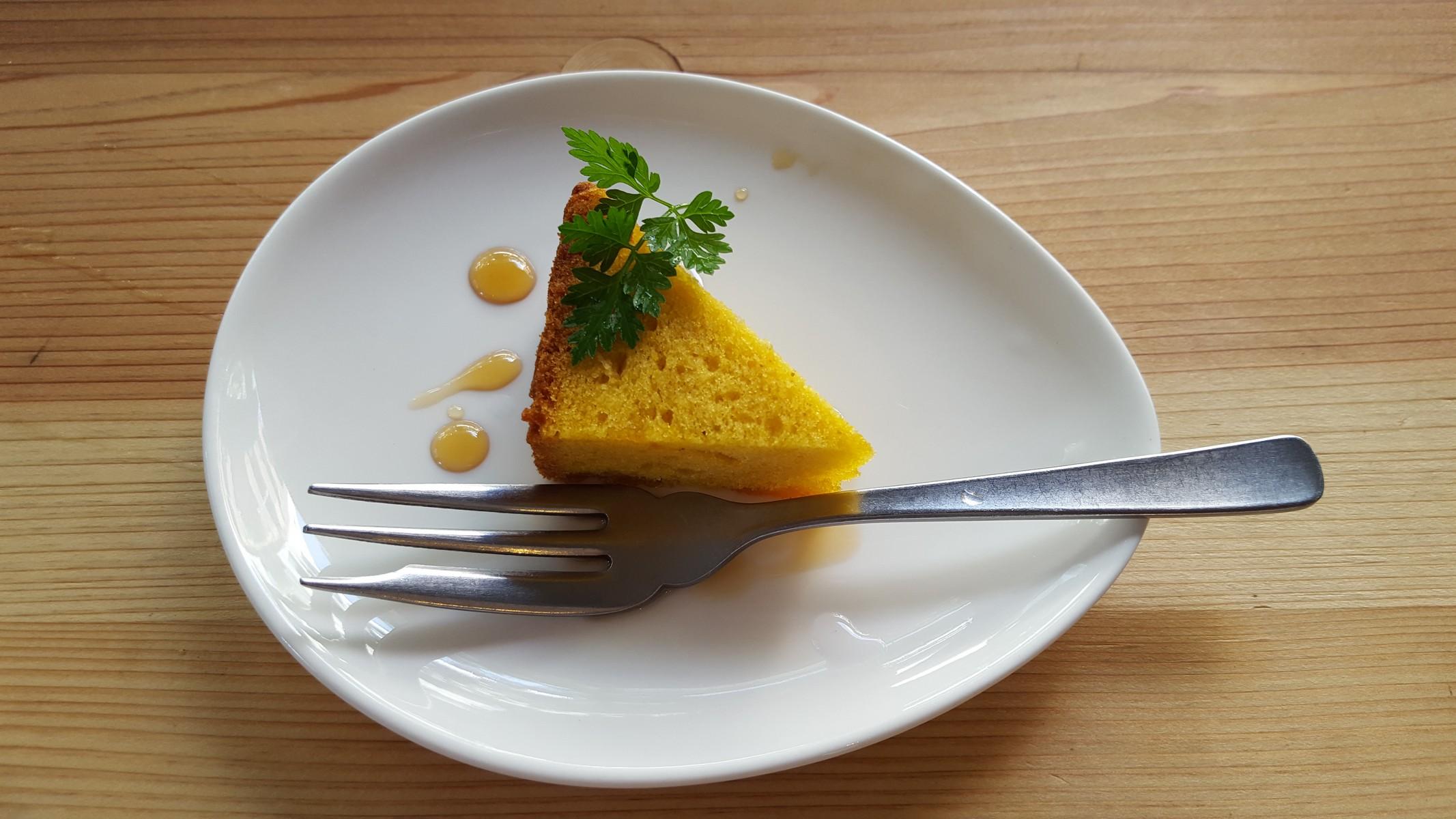 デザート(紅茶のパウンドケーキ)【オーガニックデリみどりえ/祐天寺】
